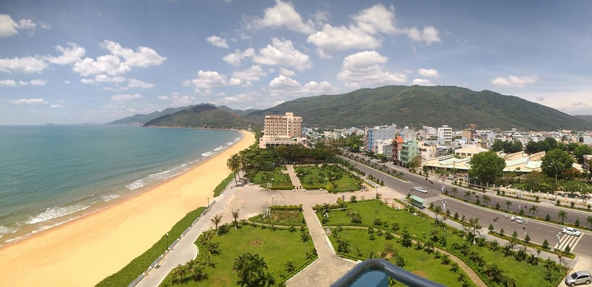 view of Quy Nhon including the beach and mountains